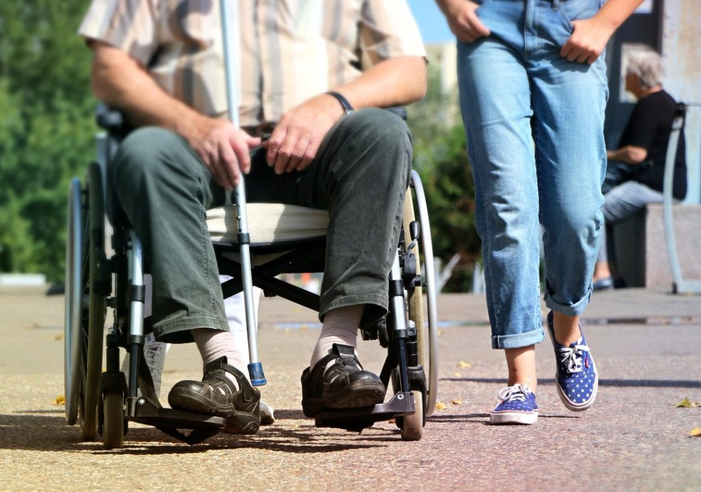 5 Struggles of Dating as a Disabled